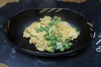 エンドウ豆卵とじ