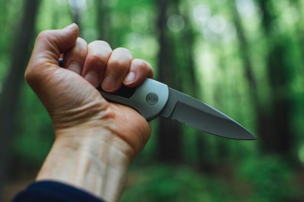ナイフ、殺人