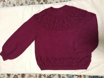 八木さん ネックから編むセーター